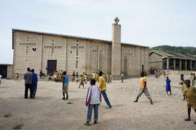 Škola i crkva u Mpushiju
