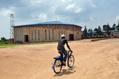 Župna crkva u Kivumuu